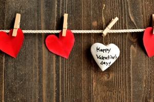 Happy-Valentine-clipped-hearts (2)