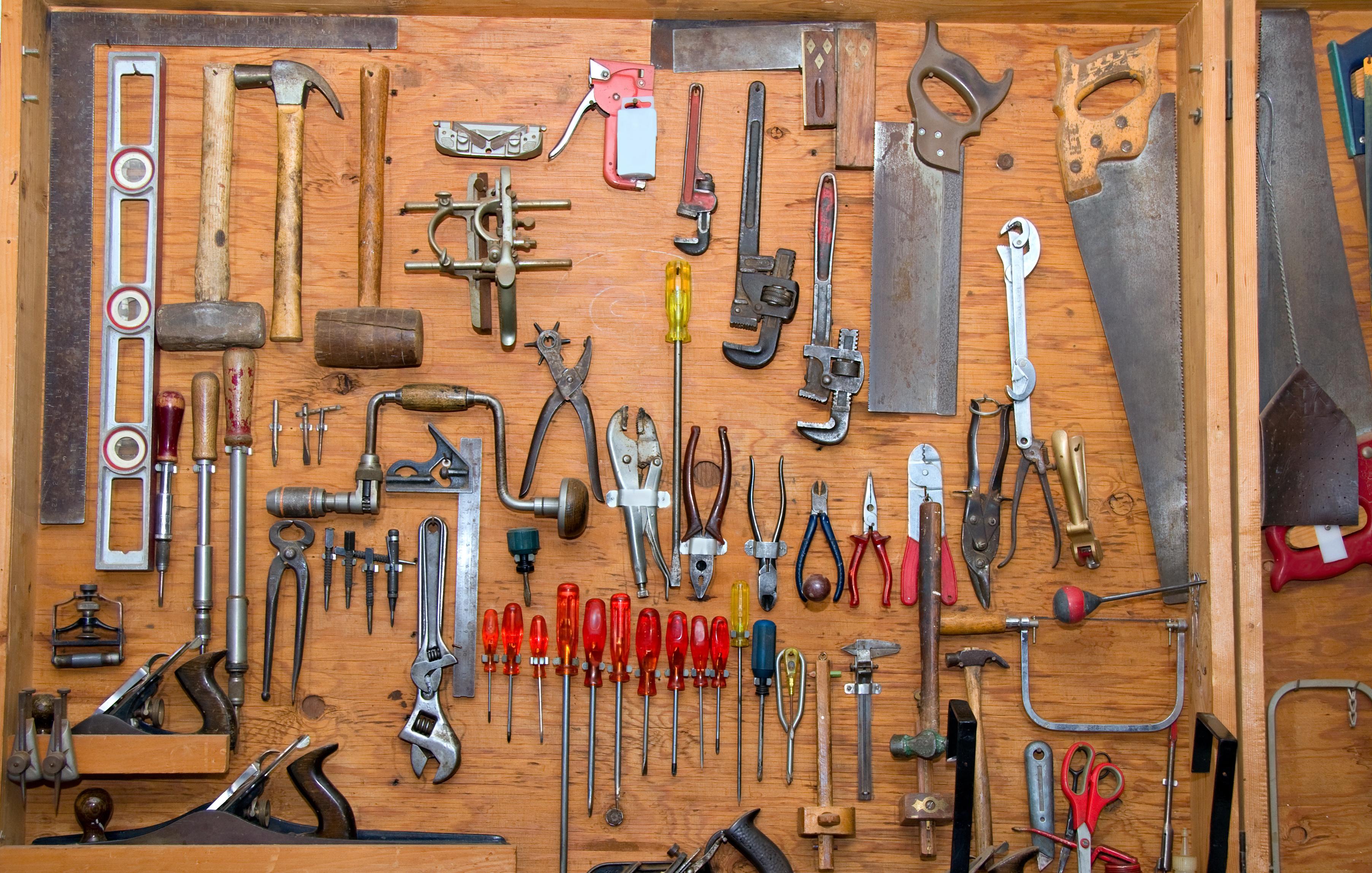 Как сделать крючок для инструмента