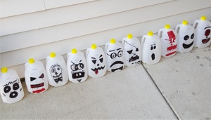 HalloweenMilkJugs