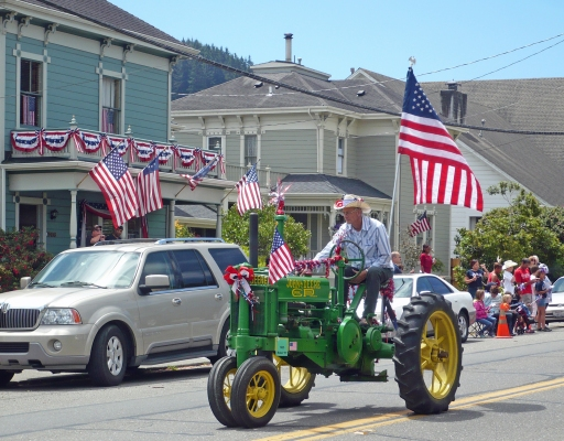 John_Deere_Tractor_4th_July