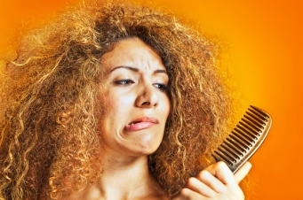 woman-with-frizzy-hair-beauty-fix